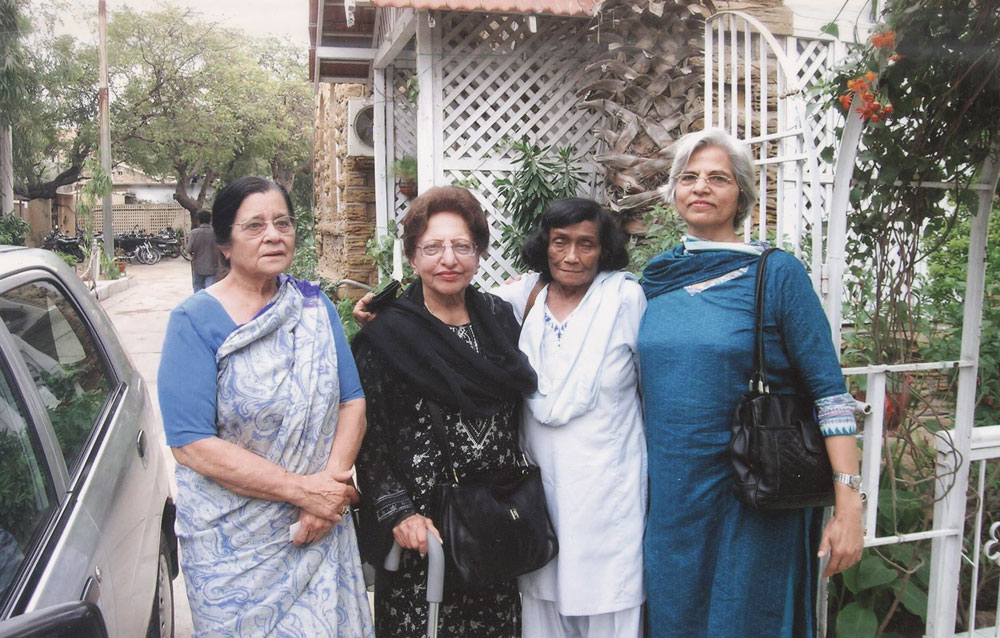 "Four of the ""firsts"" in their own field in journalism: (L to R) Munni Wahid, Anis Mirza, Naushaba Burney, Zubeida Mustafa. Press Club, Karachi, 10 Feb 2007"